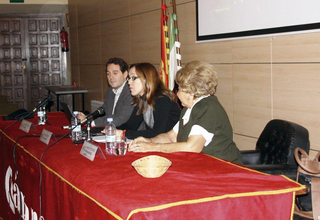 2012 - 38ª Reunión Anual SNE. Conferencia WiN en Cáceres