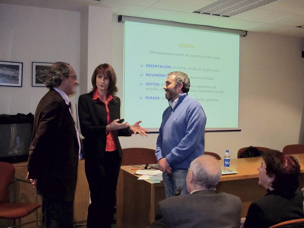 2009 - Jueves Nucc Hacia una comunicación consciente