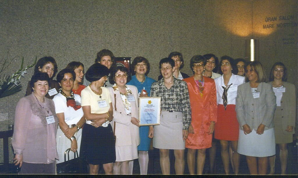 1997 - Comenzamos fuerte. Win Award a nuestra presidenta Marisa Pérez Carbonell