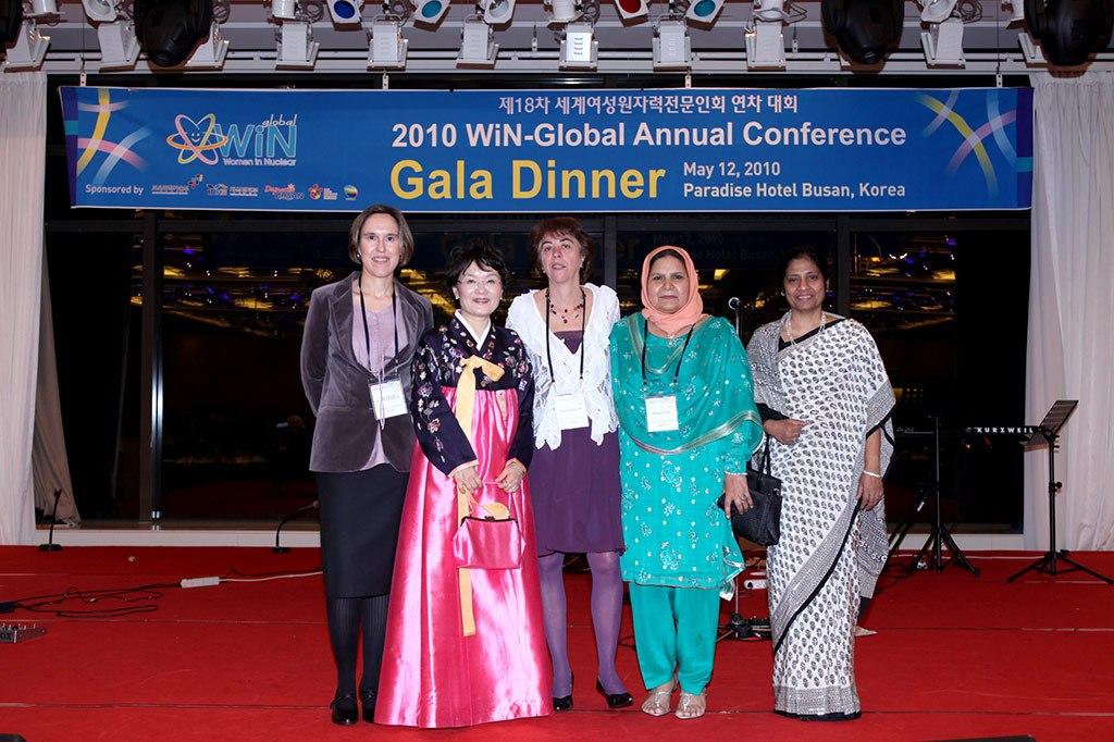 2010 - Cena de gala en WiN Global Korea